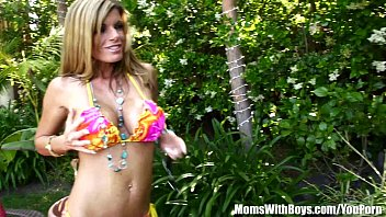 kristal summers'_ big tits gets oiled-up.