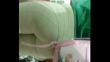 gostosa 124- rabuda de legging branca