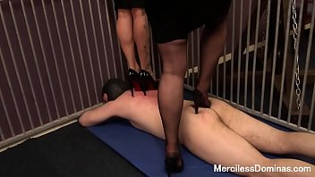 rough double trampling in cage - two pairs.