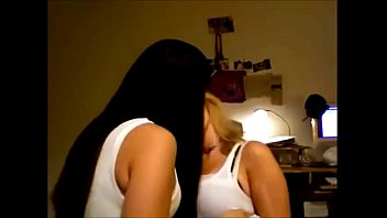 hot webcam sexy girls making out