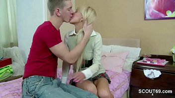 extrem cute sister get first time anal fuck.