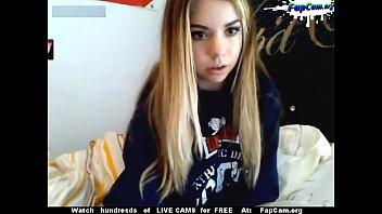 tiny young american  amateur teen masturbating on webcam