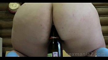 [ sexmania2.com] mature lonely masturbates with a bottle.