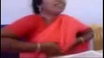mallu auntys oops in office -.