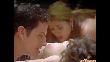 alyssa milano - embrace of the vampire (nude.