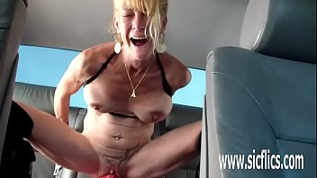 colossal dildo fucking amateur slut