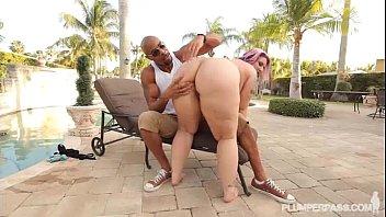 big tit mature slut fucks big.