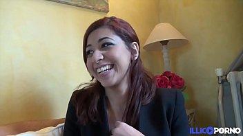 casting de selina, belle marocaine souriante de 19.