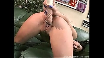 her pussy gets so wet here