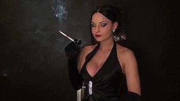 abbie cat smoking 02