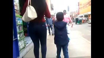 culona riquisima en jeans de venezuela.