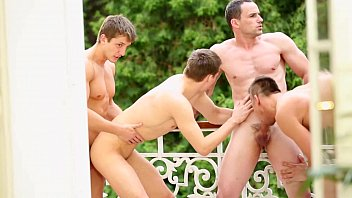 bi dudes group orgy sucking