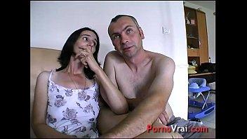 squirt prise par surprise elle ejacule sur son.