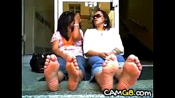 latina dom soles - foot fetish.