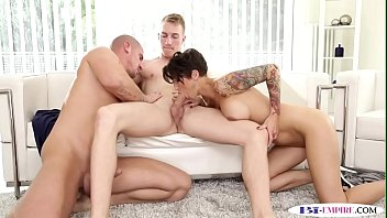pussyfucking stud tastes cum after anal