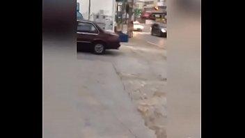 mulher pelada nas ruas de goi&acirc_nia