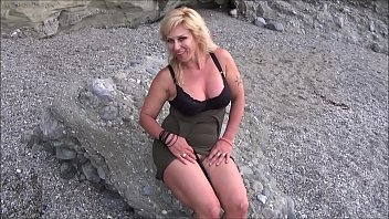 sesso in spiaggia....con viky moore.