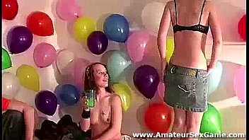 lesbian kissing for amateurs playing party.