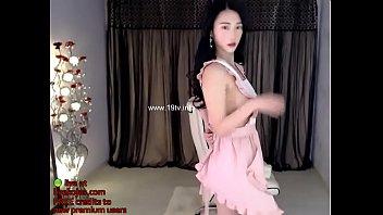 korean model strips and masturbates - live at livekojas.com