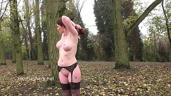 redhead holly kiss flashing in public and outdoor.