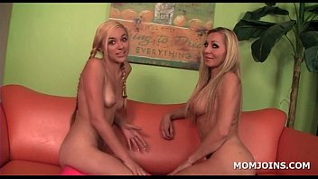 blonde mom and daughter sharing giant.