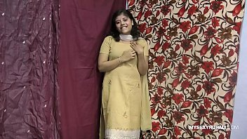 rupali indian girl in shalwar suit.