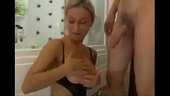 hot russian milf in shower www.whorecam.org