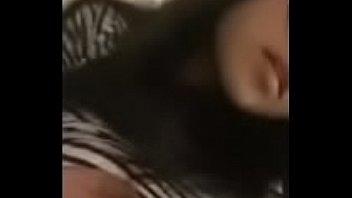 abg gadis cantik berkacamata pameri (kumpulanabgbugilhotblogspot)