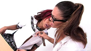 classroom lesbians with skin diamond &amp_.