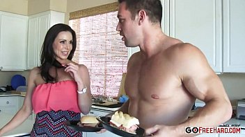 busty mom kendra lust fucking her.