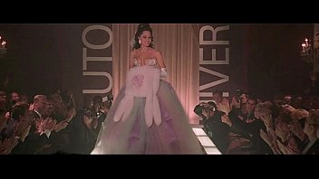 angelina jolie in gia (1998) -.
