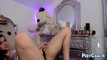 stunning camgirl teasing tight ass and hot body.