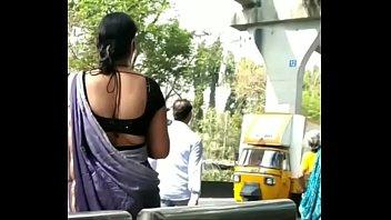 gadrayi jain bhabhi rakhi exposing sexy back in.