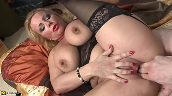 sex bomb mature mom gets rough fuck with.