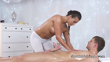perfect ass masseuse sucks huge dick