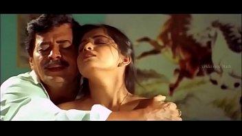 (hdvidz.in) shwetha-chengappa-romantic-scene--varsha--kannada