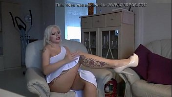 german blonde cam slut - watch live at www.angelzlive.com