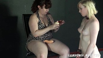 lesbian feet licking and foot domination of lezdomme.