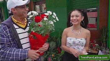oyeloca shows dick y dinero with jade preesleyy.