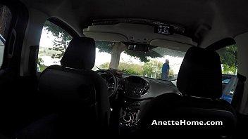 sexe dans la voiture devant des passants cam.