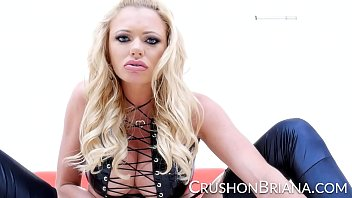 tattoed blonde pornstar briana banks removes her rubber outfit