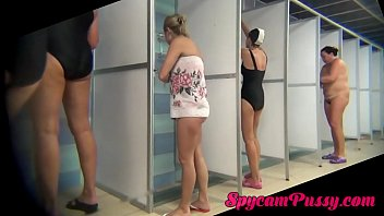 peeping into the women&#039_s showers for beauty with.
