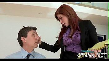 milf gives deepthroat oral-job