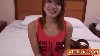 smiling local thailand beauty in amateur hotel fuck.