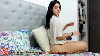 Ꙭ bella chica colombiana de tetas redondas y.