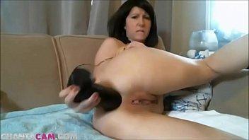 webcam milf diana shoves big dildo up her ass