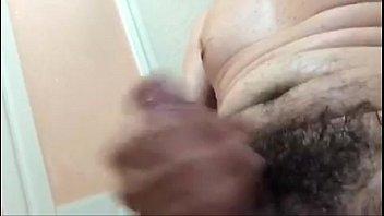 punheta no banheiro
