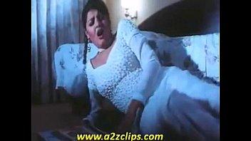 mamta kulkarni hot song from beqabu.