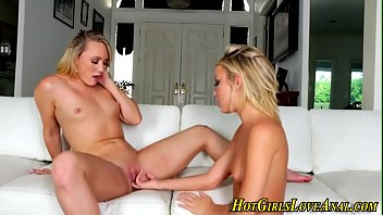lesbians pussy squirting