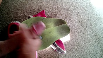 pink nike frees insoles cummed again